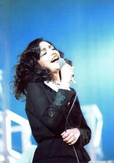 Mia Martini durante la registrazione dello special Che vuoi che sia... se t'ho aspettato tanto (1976) - foto preluat de pe it.wikipedia.org