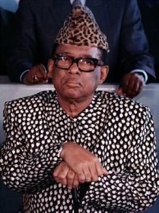 Mobutu Sese Seko Koko Ngbendu Wa Za Banga (nume original: Joseph-Désiré Mobutu, n. 14 octombrie 1930 - d. 7 septembrie 1997) dictatorul Zairului (azi Republica Democrată Congo sau Congo Kinshasa, pe scurt) din 1965 până în 1997 - foto: cersipamantromanesc.com
