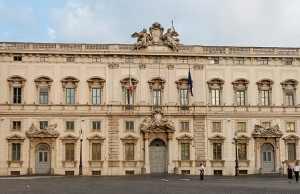 Palazzo_della_Consulta_Roma_2006-300x194