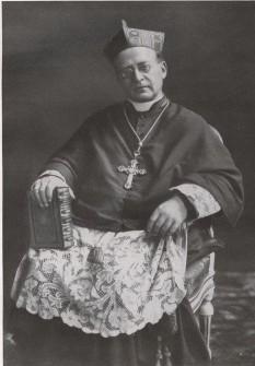 Papa Pius XI, născut Achille Ratti, (n. 31 mai 1857, Desio, Italia – d. 10 februarie 1939, Vatican) - foto: ro.wikipedia.org