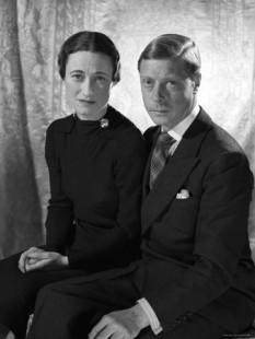 Prinţul  Edward, Duce de Windsor - foto preluat de pe cersipamantromanesc.wordpress.com