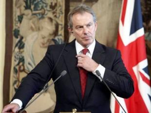 Anthony Charles Lynton Blair (n. 6 mai 1953, Edinburgh, Scoția) a fost din 1997 până pe 27 iunie 2007 prim-ministru al Regatului Unit. Blair reprezintă Partidul Laburist (Partidul Muncii) din Regatul Unit - foto: cersipamantromanesc.wordpress.com
