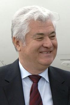 Vladimir Voronin (n. 25 mai 1941) este un politician din Republica Moldova, președinte al Partidului Comuniștilor din Republica Moldova, deputat în Parlamentul Republicii Moldova începând cu anul 2009 și fost președinte al Republicii Moldova, timp de 8 ani (4 aprilie 2001 – 11 septembrie 2009) -  foto - ro.wikipedia.org