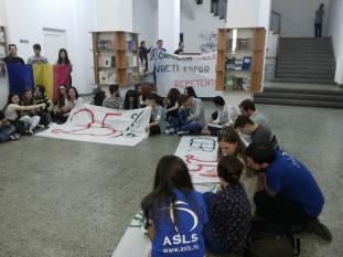 Protest studenti - foto - romaniacurata.ro