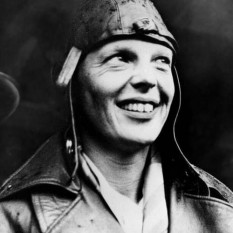 Amelia Mary Earhart (July 24, 1897 – disappeared July 2, 1937) was an American aviation pioneer and author - foto - cersipamantromanesc.wordpress.com