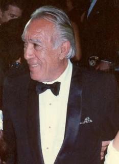 Anthony Quinn (n. 21 aprilie 1915 - d. 3 iunie 2001) actor american de teatru și film, de origine mexicană, dublu laureat al premiului Oscar - foto - ro.wikipedia.org