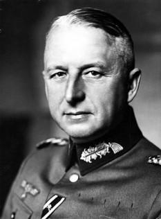 Erich von Manstein, pe numele său complet, dar mult mai puțin cunoscut, Fritz Erich von Lewinski (n. 24 noiembrie 1887, Berlin; d. 10 iunie 1973, Irschenhausen, Bavaria) militar profesionist care devenise unul din cei mai prominenți comandanți a forțelor armate germane (Wehrmacht) în timpul celui de-Al Doilea Război Mondial - foto - ro.wikipedia.org