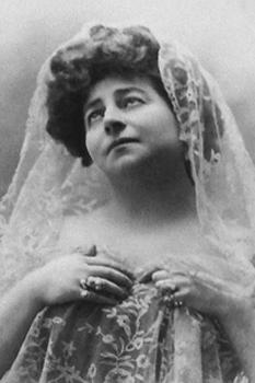 Hariclea Darclée (nume de familie original Hariclea Haricli, n. 10 iunie 1860, Brăila – d. 12 ianuarie 1939, București), soprană română  foto: ro.wikipedia.org