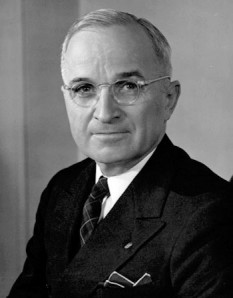 Harry S. Truman (May 8, 1884 – December 26, 1972) presedintele SUA - foto - en.wikipedia.org