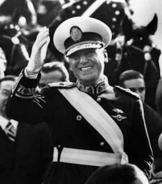 Juan Domingo Perón (n. 8 octombrie 1895; d. 1 iulie 1974) om de stat argentinian, de 2 ori președinte al Argentinei, în perioada 1946-1955 și în perioada 1973-1974 - foto: ro.wikipedia.org