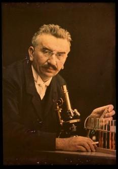Louis Jean Lumière (5 October 1864, Besançon, France – 6 June 1948, Bandol) - foto: cersipamantromanesc.wordpress.com