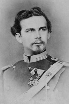 """Ludovic al II-lea al Bavariei, în germană Ludwig II. (n. 25 august 1845, München – d. 13 iunie 1886, Berg am Starnberger See) rege al Bavariei din 1864 până în 1886. I se mai spune și """"regele lebădă"""" sau """"regele nebun"""" -  foto - ro.wikipedia.org"""