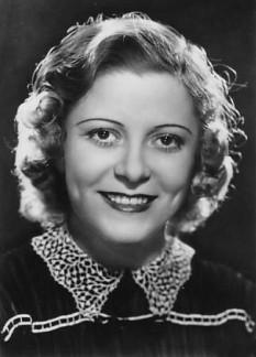 Maria Cebotari (nume alternativ: Cibotari, nume de familie inițial: Cibotaru[1], n. 10 februarie 1910, Chișinău, Gubernia Basarabia – d. 9 iunie 1949, Viena), cântăreață de operă română, una dintre cele mai mari soprane din lume în anii '30 și '40 ai secolului trecut - foto - ro.wikipedia.org