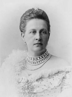 Olga Constantinovna a Rusiei (rusă Великая Княжна Ольга Константиновна), mai târziu Regina Olga a Greciei (3 septembrie 1851 – 18 iunie 1926) soția regelui George I al Greciei iar în 1920 regentă a Greciei - foto - ro.wikipedia.org
