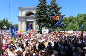 Protest Chisinau 7 iunie 2015 - foto - presalibera.net