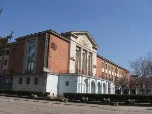Teatrul de Stat Resita si Casa de Cultura a Sindicatelor - foto - cinematografe.bicaz.rou.ro