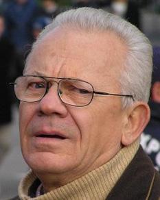 Valentin Uritescu (n. 4 iunie 1941, Vinerea, județul Alba) important actor român de televiziune, film și teatru - foto - cinemarx.ro