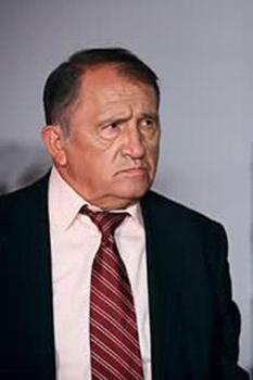 Virgil Ogășanu (n. 17 iunie 1940, Turnu Severin) actor de film, scenă și televiziune, precum și un pedagog român - foto - cinemagia.ro