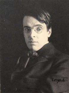 William Butler Yeats (n. 13 iunie 1865, Sandymount - d. 29 ianuarie 1939) poet și dramaturg irlandez, una dintre cele mai importante figuri al literaturii secolului XX, laureat al Premiului Nobel pentru Literatură în 1923 - foto - ro.wikipedia.org