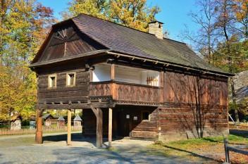 Casă țărănească din Valahia moravă. - foto - cubreacov.wordpress.com