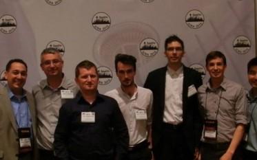 Echipa de cercetători de la Institutul de Cercetare Ştiinţifică şi Tehnologică din cadrul Universităţii Valahia din Târgovişte - foto - adevarul.ro