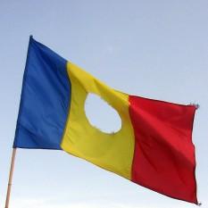 Drapelul Romaniei la Revolutia din 1989 - foto - stiri.tvr.ro