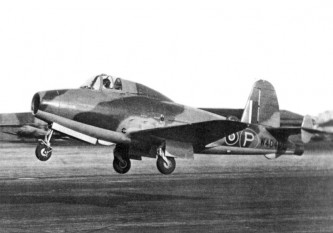 The Gloster E.28/39, the first British aircraft to fly with a turbojet engine - foto - en.wikipedia.org