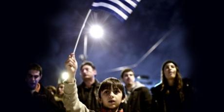 Alături de Grecia