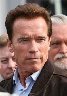 Arnold Alois Schwarzenegger (n. 30 iulie 1947) fost culturist și actor american originar din Austria, politician republican, care a servit ca cel de-al treizeci și optulea guvernator al statului California - foto - ro.wikipedia.org