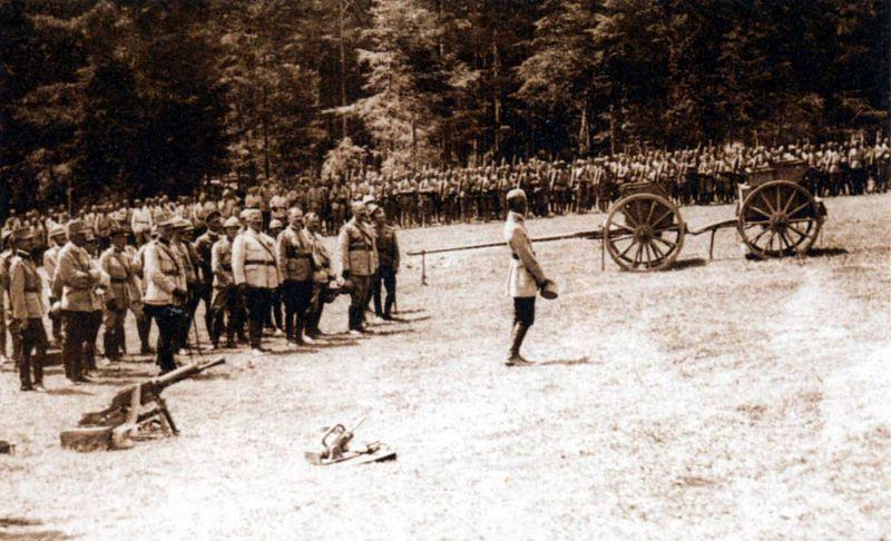 Bătălia de la Mărășești (24 iulie/6 august – 6 august/19 august 1917) - Parte a Campaniei militare românești din 1917 din Primul Război Mondial - Soldaţi români angajaţi în Bătălia de la Mărășești din 1917 - foto preluat de pe ro.wikipedia.org