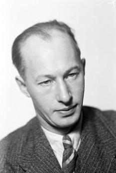 Eyvind Olof Verner Johnson (n. 29 iulie 1900 - d. 25 august 1976) scriitor suedez, laureat al Premiului Nobel pentru Literatură pe 1974, împreună cu Harry Martinson - foto - ro.wikipedia.org