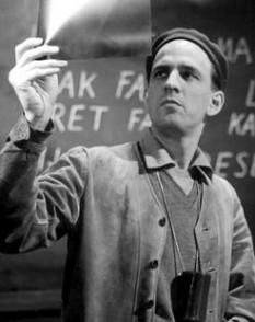 Ernst Ingmar Bergman (născut în 14 iulie 1918, Uppsala, Suedia - d. 30 iulie 2007, Fårö, Suedia)  regizor suedez de teatru și unul dintre cei mai influenți regizori de film ai celei de-a doua jumătăți a secolului 20 - foto - ro.wikipedia.org