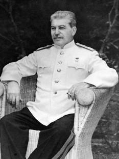 Iosif Vissarionovici Stalin (n. 18 decembrie 1878 – d. 5 martie 1953) din tată georgian și mamă osetină, om politic sovietic, fost revoluționar bolșevic devenit după Revoluția din Octombrie conducător politic sovietic - foto - ro.wikipedia.org