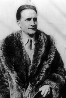 Marcel Duchamp (n. 28 iulie 1887 în Blainville-Crevon - d. 2 octombrie 1968 în Neuilly-sur-Seine) pictor francez (cetățean american din 1955) - foto - ro.wikipedia.org