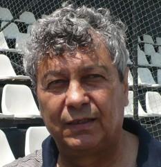 Mircea Lucescu (n. 29 iulie 1945) fost jucător de fotbal român. În prezent este antrenor la clubul FC Șahtar Donețk din Ucraina - foto - ro.wikipedia.org