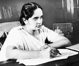 Sirimavo Ratwatte Dias Bandaranaike (n. 17 aprilie 1916 - d. 10 octombrie 2000) om politic din Sri Lanka și premier al acestei țări în perioadele: 1960 – 65, 1970 – 77 și 1994 – 2000. A fost prima femeie din țară care a deținut acestă funcție -  foto - cersipamantromanesc.wordpress.com