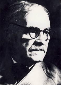 Tudor Arghezi (pseudonimul lui Ion Nae Theodorescu, n. 21 mai 1880, București – d. 14 iulie 1967) scriitor român cunoscut pentru contribuția sa la dezvoltarea liricii românești sub influența baudelairianismului - foto: ro.wikipedia.org