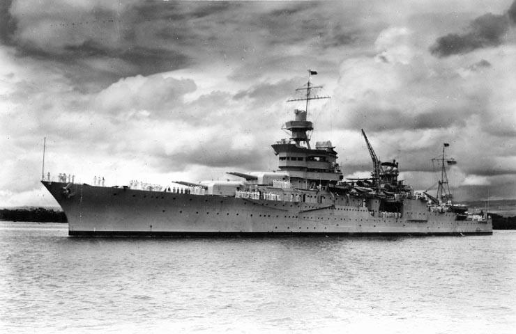 30 iulie 1945: Vasul american Indianapolis este scufundat de submarinul japonez I-58, omorând 883 de oameni; cea mai grea pierdere din istoria marinei americane - foto: ro.wikipedia.org