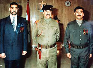 Uday (stanga) si Qusay , fii lui Saddam Hussein, impreuna cu fostul dictator irakian - foto - cersipamantromanesc.wordpress.com