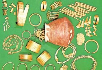 Tezaur de obiecte din aur tracice, din sec. XII i.Hr. - foto - cersipamantromanesc.