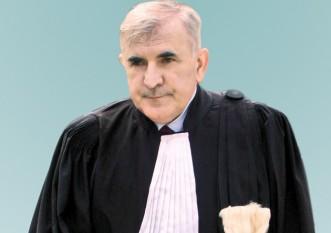 """Antonie Iorgovan (n. 9 august 1948, satul Gornea, comuna Sichevița, județul Caraș-Severin - d. 4 octombrie 2007, Viena) jurist român, profesor universitar și senator independent în legislatura 1990-1992, iar mai apoi pe listele PSD în legislaturile 2000-2004 și 2004-2008. De asemenea, între anii 1992-1996, a îndeplinit demnitatea de judecător la Curtea Constituțională a României. A fost supranumit """"Părintele Constituției"""" deoarece, fiind singurul senator independent, a îndeplinit funcția de Președinte a Adunării Constituante - foto: gandul.info"""