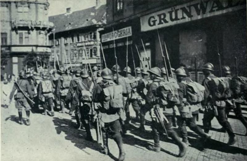Trupele române ocupând Budapesta, 1919 - foto preluat de pe ro.wikipedia.org