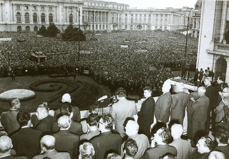 21 august 1968:  La Bucureşti s-a desfăşurat un urias miting de protest împotriva ocupării Cehoslovaciei - foto: en.wikipedia.org
