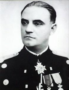 Constantin Pantazi (n. 26 august 1888, Călărași - d. 23 ianuarie 1958, Râmnicu Sărat) general de armată român și ministru al apărării în perioada 23 ianuarie 1942 - 23 august 1944. A fost unul din cei mai fideli adepți ai generalului Ion Antonescu -  foto - ro.wikipedia.org