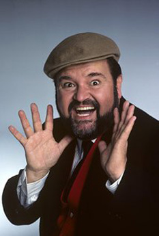 "Dominick ""Dom"" DeLuise (August 1, 1933 – May 4, 2009) was an American actor, comedian, film director, television producer, chef, and author - foto -  imdb.com"