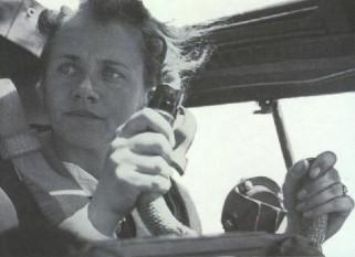 Hanna Reitsch (29 Martie 1912 – 24 August 1979) pilot german, prima femeie căpitan de zbor din lume - foto - ww2gravestone.com