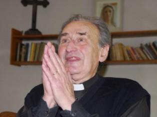 Matei Zaharia Boilă (n. 17 aprilie 1926, Blaj - d. 27 august 2015, Cluj) senator român, deținut politic în timpul regimului comunist, preot greco-catolic - foto - ziuanews.ro