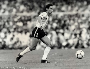 Osvaldo César Ardiles (born 3 August 1952), often referred to in Britain as Ossie Ardiles,[1] is a football manager, pundit and former midfielder who won the 1978 FIFA World Cup as part of the Argentine national team - foto - dailymail.co.uk