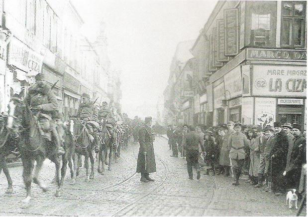 Trupele germane intrând în București,6 decembrie 1916 - foto: ro.wikipedia.org