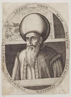 Pașa Hassan (1506 – 3 aprilie 1596) a fost un comandant de oști și om de stat otoman. S-a născut în Albania, într-o familie săracă. A fost recrutat ca ienicer de tânăr. În 1569, a fost numit guvernator al Egiptului și a condus până în 1571 luptele pentru cucerirea Yemenului. În 1574 a condus marea expediție împotriva Tunisului, pe care l-a cucerit în ciuda apărării îndârjite a garnizoanei italo-spaniole. În 1580, Sinan a fost comandantul în războiul împotriva Persiei. În același an a fost numit Mare Vizir, numai pentru a fi demis și exilat în anul următor, datorită eșecului locotenentului său, Mohamed Pașa, de a aproviziona garnizoana turcească de la Tbilisi. A devenit în cele din urmă guvernator al Damascului și, în 1589, după marea revoltă a ienicerilor, a fost numit Mare Vizir pentru a doua oară. O altă revoltă a ienicerilor a dus la demiterea sa în 1591, dar în 1593 a fost rechemat să ocupe pentru a treia oară funcția de Mare Vizir. În acest an a comandat armata turcă în campania împotriva Ungariei. În ciuda victoriilor din această campanie, a fost demis în februarie 1595, la scurtă vreme după venirea pe tron a lui Mehmet al III-lea, fiind exilat la Malghara. În august al aceluiași an, a fost rechemat la post pentru a conduce campania împotriva lui Mihai Viteazul în Țara Românească. Rezultatele dezastruase ale campaniei, în special înfrângerea suferită în Bătălia de la Giurgiu, l-au aruncat din nou în dizgrație, concretizată în destituirea sa din funcția de mare vizir.[1] Moartea neașteptată a succesorului său, Lala Mahommed, la trei zile după numire, a fost privită ca un semn divin, iar Sinan a fost numit Mare Vizir pentru a cincea și ultima dată. Sinan Pașa a murit pe neașteptate pe 3 aprilie 1596, lâsând în urmă o uriașă avere și nici un moștenitor - foto: en.wikipedia.org